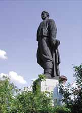 Паметникът на Апостола е от 1965 г.