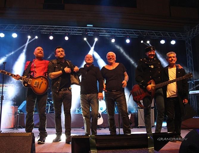 Легендите изнасят концерт на 10 май